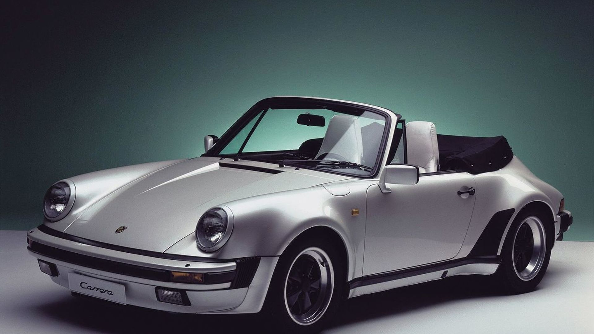 Porsche 911 Carrera 4S-based widebody Supersport in the works?