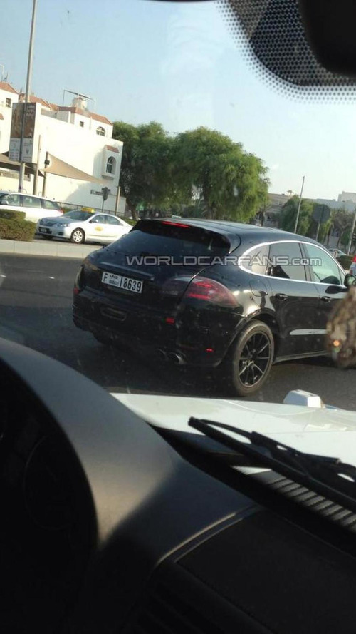 2014 Porsche Macan returns in Dubai sand dune action [video]