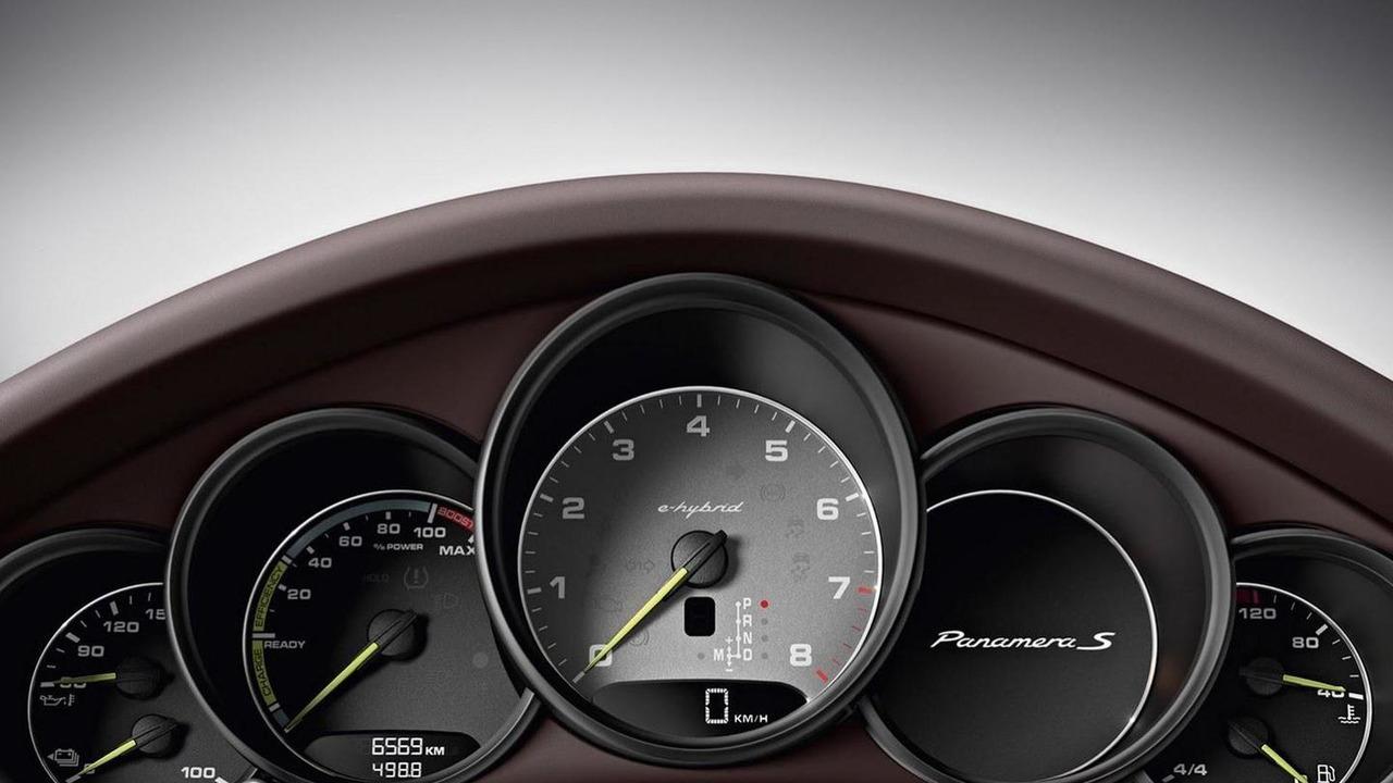 2014 Porsche Panamera S E-Hybrid leaked photo 02.4.2013