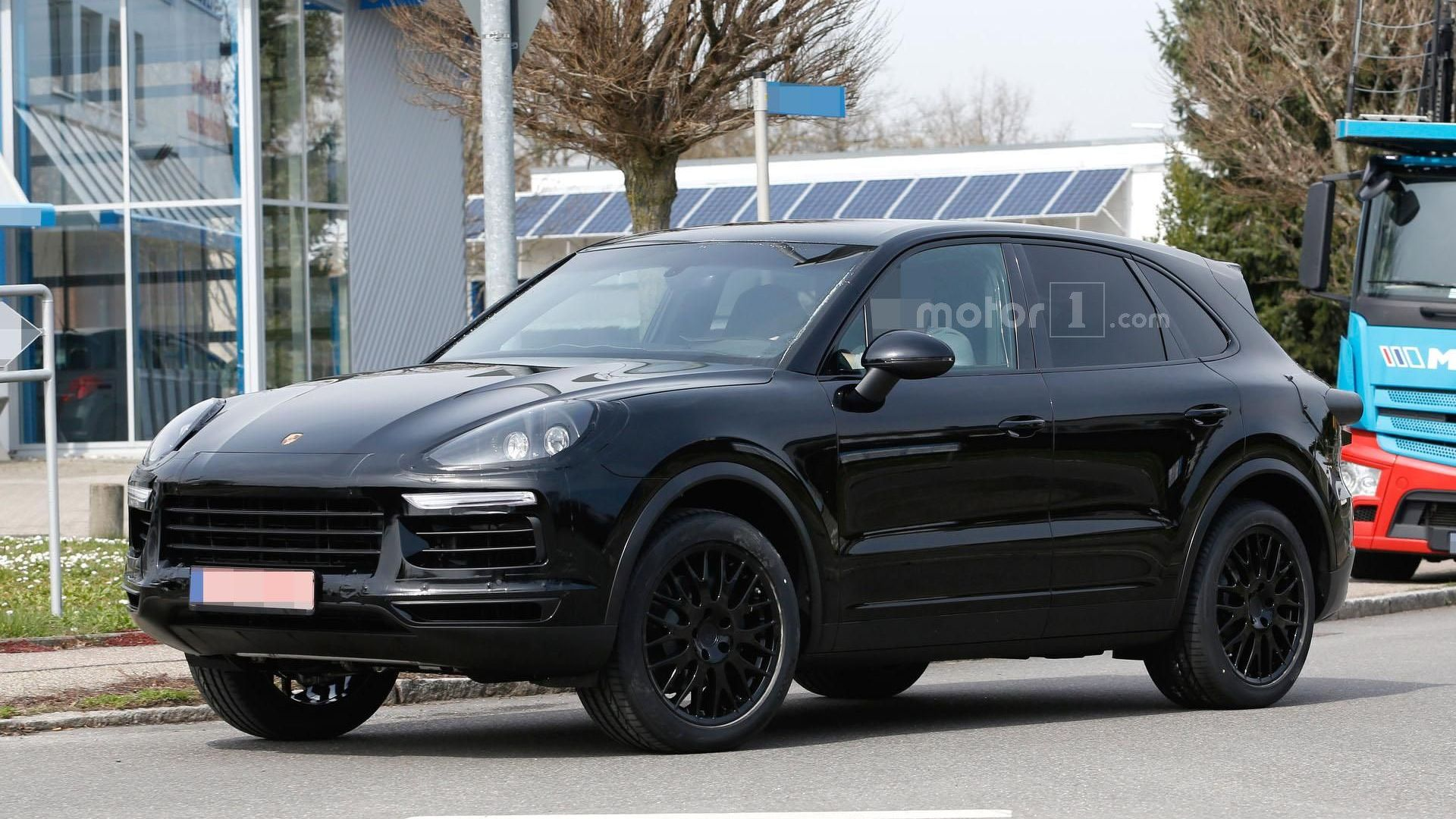 2018 Porsche Cayenne Spied In Germany Motor1 Com