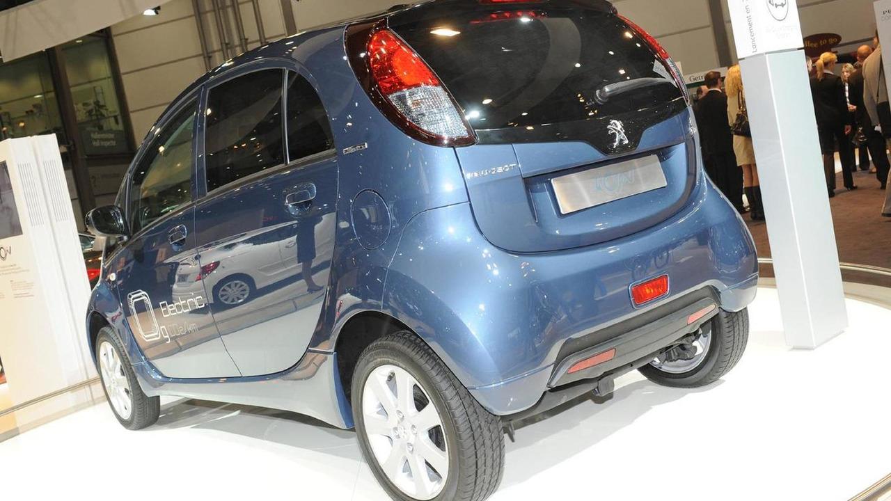 Peugeot iOn - 2010 AMI