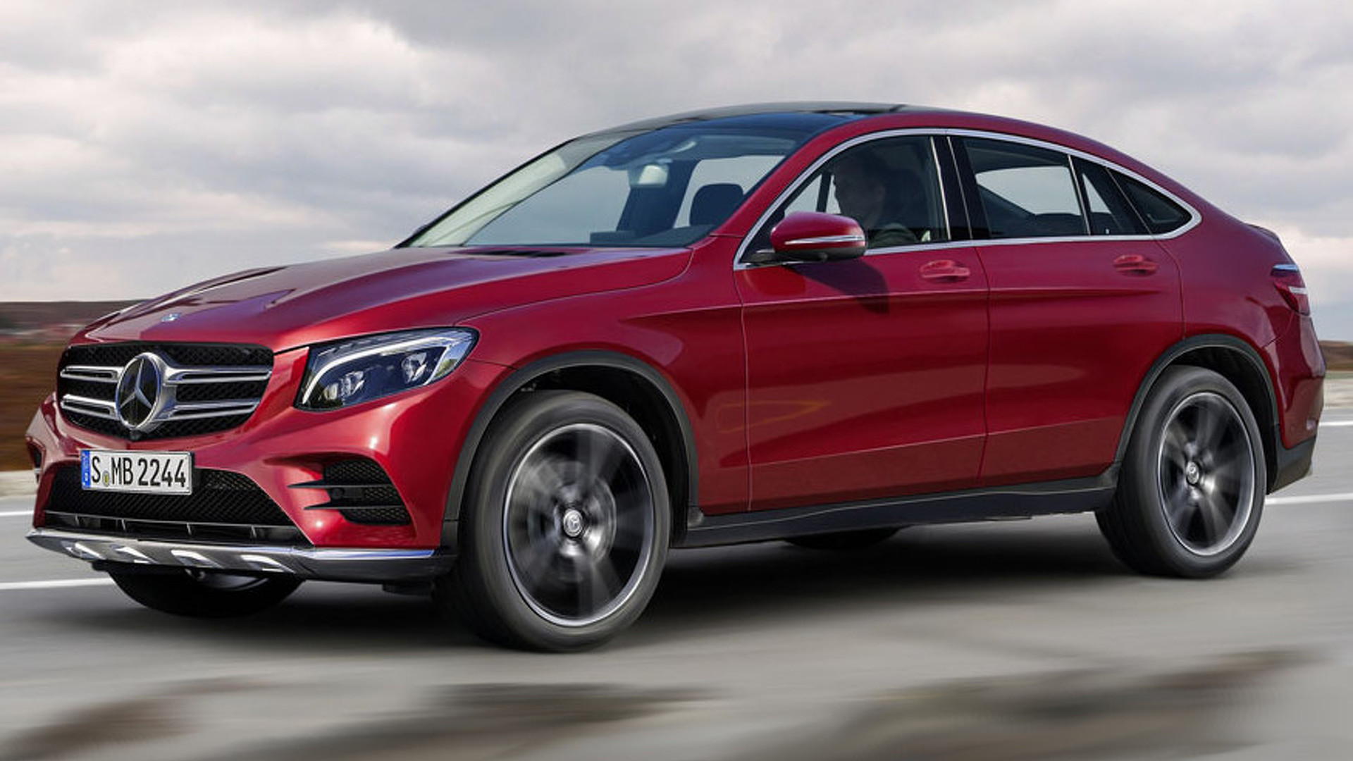 Mercedes benz glc coupe render sees into the future for Mercedes benz glc