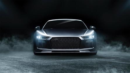 Audi R8'e daha agresif görünüm