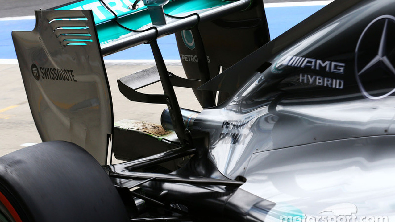 Mercedes AMG F1 W05 exhaust scorching