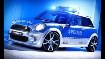 Preparadora transforma MINI elétrico em viatura policial