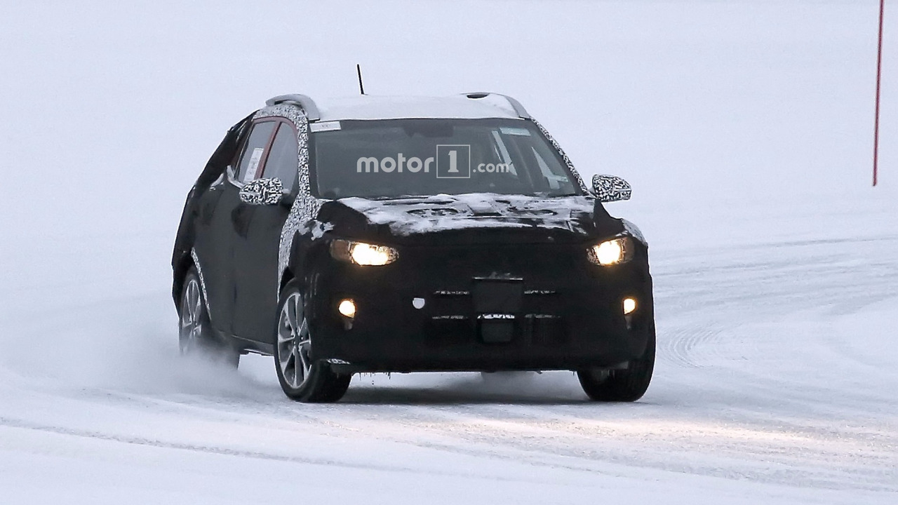 2018-kia-s​tonic-spy-​photo