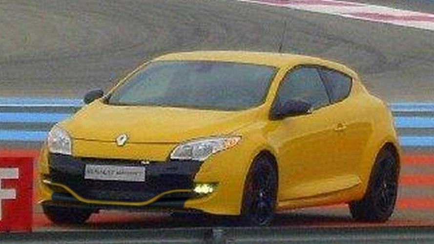 Renault Megane RS Also Spied on Track