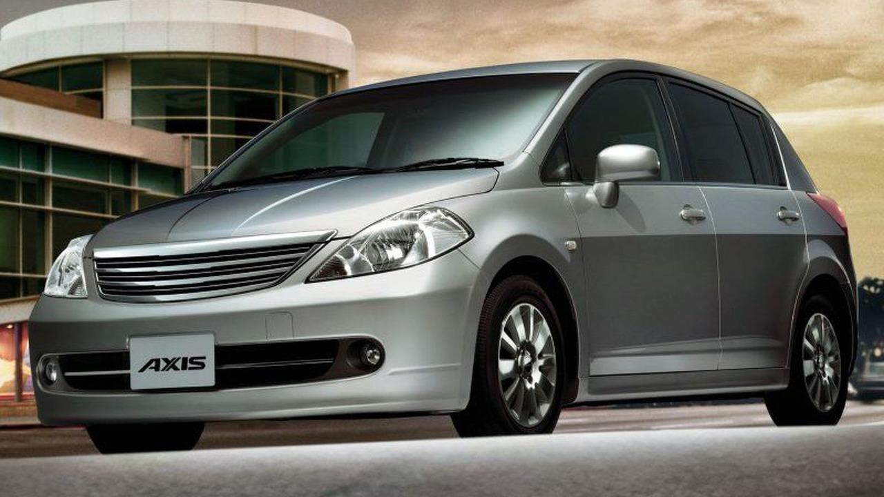 Nissan Tiida - Japanese version