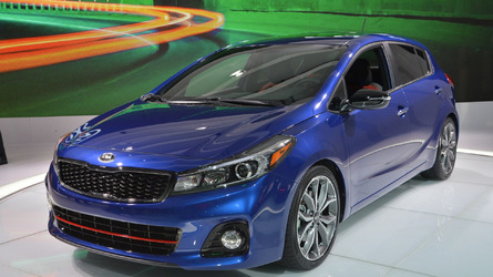 2017 Kia Forte gets design and tech update for Detroit