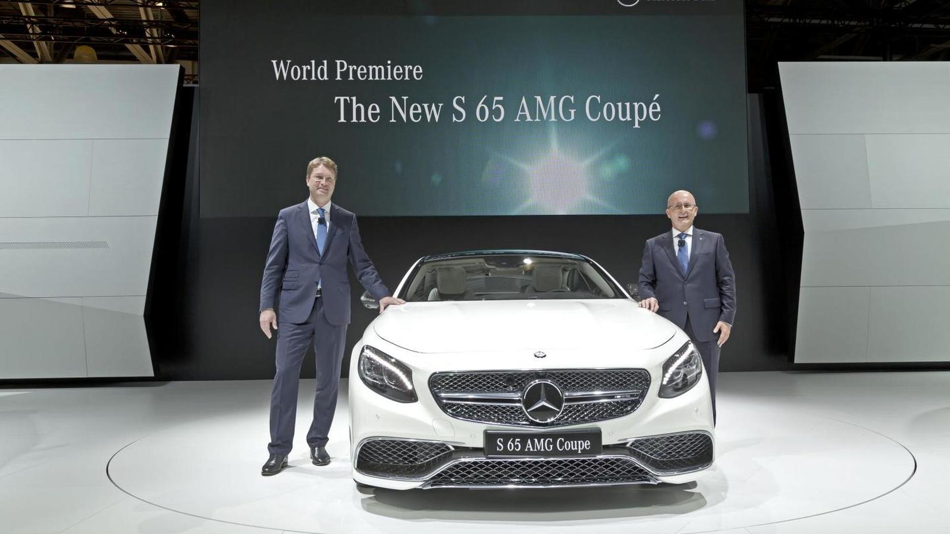 Mercedes S65 AMG Coupe debuts in Moscow