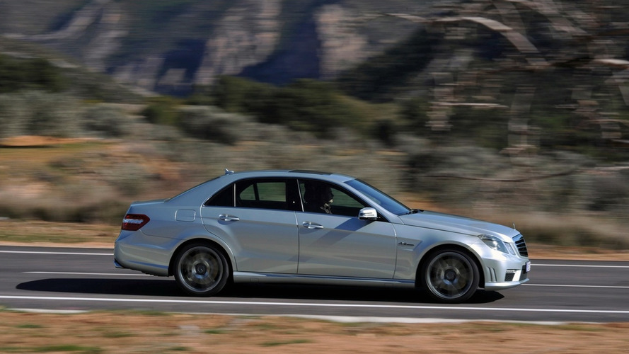 Video: 2010 Mercedes E63 AMG Pumps Some Iron
