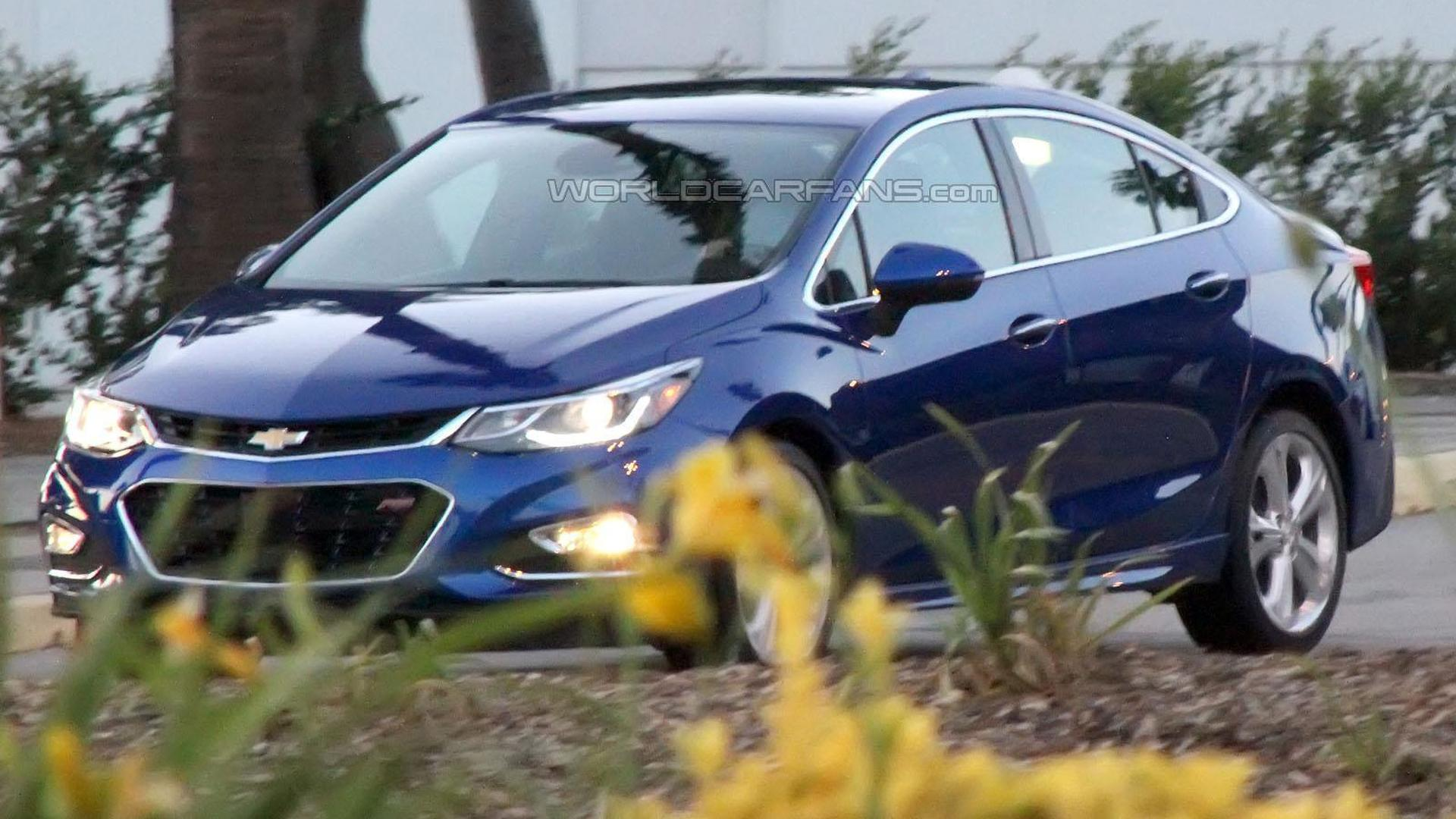 2016 Chevrolet Cruze spied undisguised during a photo shoot