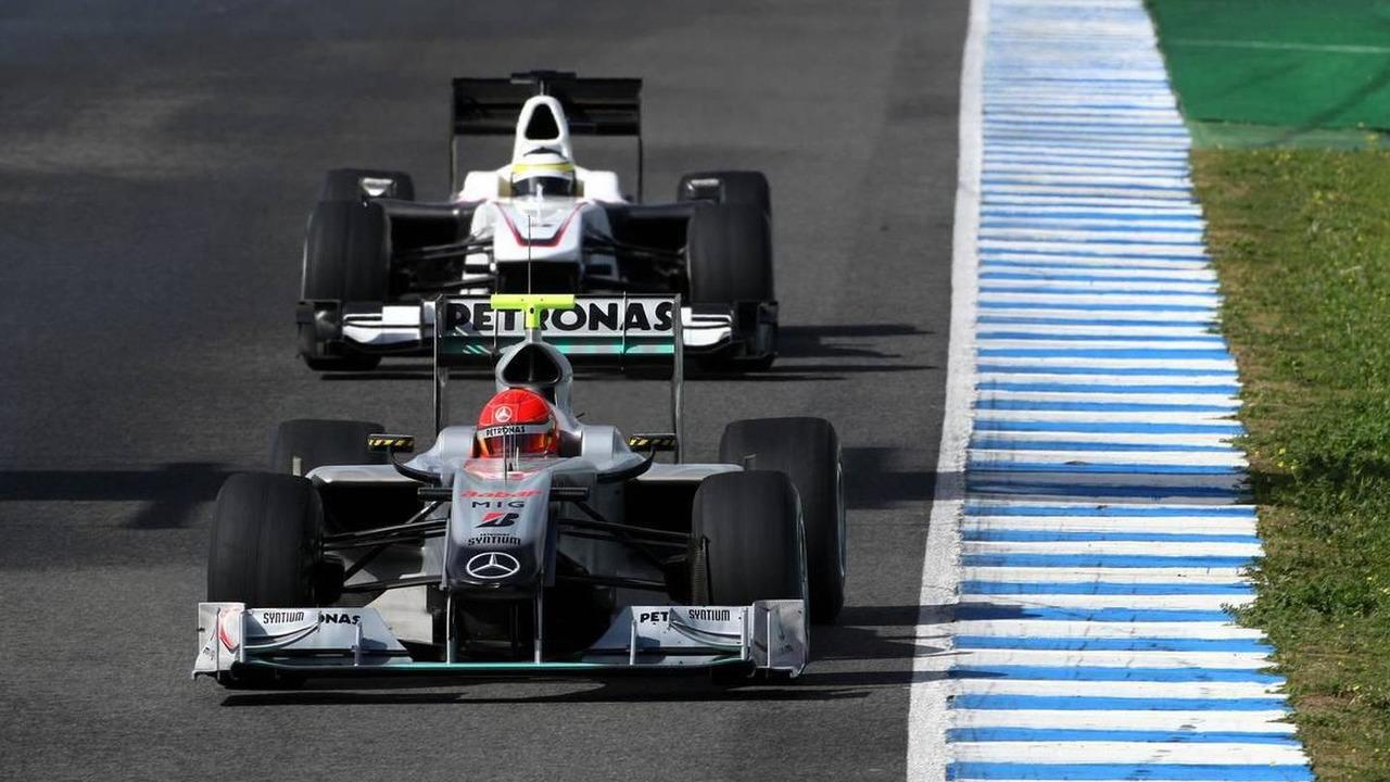 Michael Schumacher (GER), Mercedes GP Petronas leads Pedro de la Rosa (ESP), BMW Sauber F1 Team, C29 - Formula 1 Testing, 17.02.2010 Jerez, Spain
