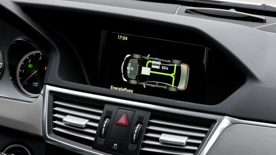Mercedes Announces First Diesel Hybrid E 300 BlueTec in Geneva - Market launch in 2011