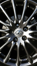 Lexus outsells Mercedes in U.S. luxury market; BMW sales decline
