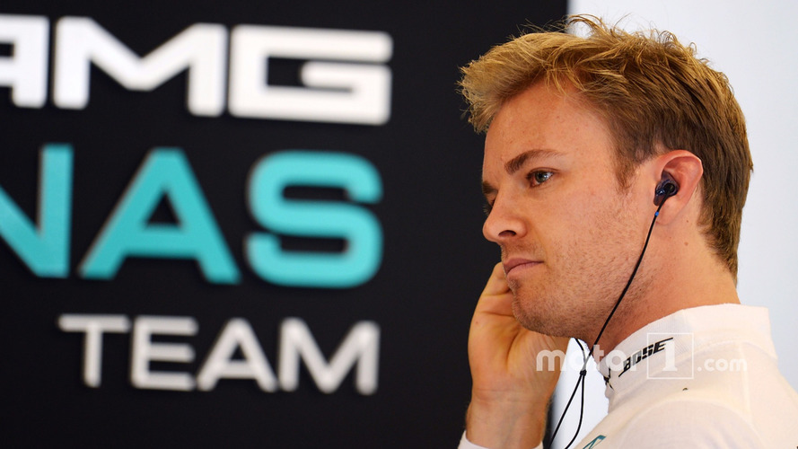 Rosberg clears air with Ecclestone over title remarks