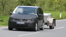 Next Gen VW Touran MPV Mule First Spy Photos
