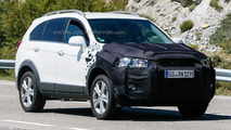 Chevrolet Captiva facelift spied for the first time