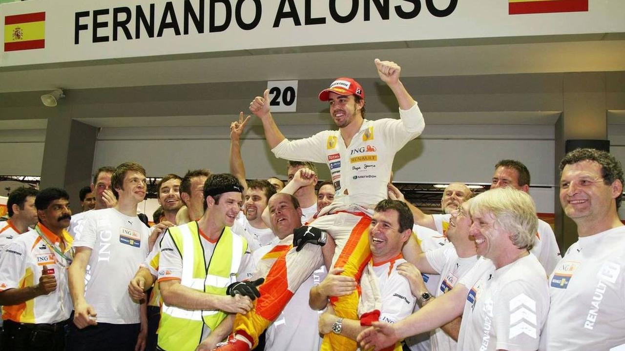 Fernando Alonso (ESP), Renault F1 Team, Singapore Grand Prix, 27.09.2009