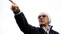Ecclestone ends 'cash flow crisis' for small teams