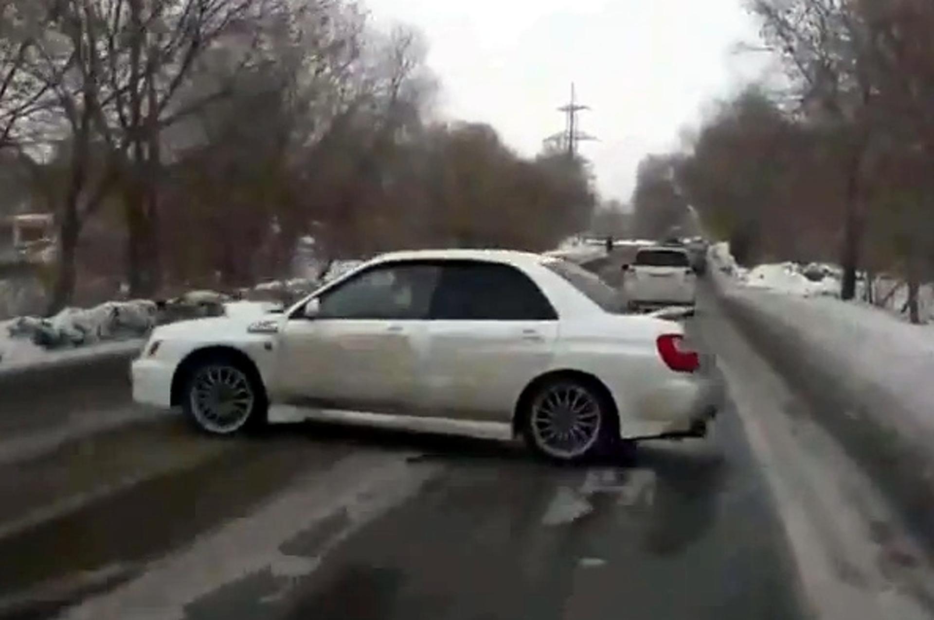 Subaru WRX Driver 360s Way Out of a Potential Crash