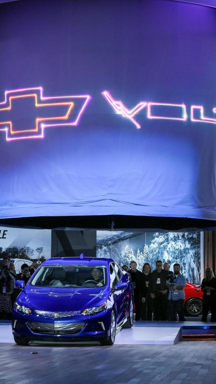 2016 Chevrolet Volt live at NAIAS