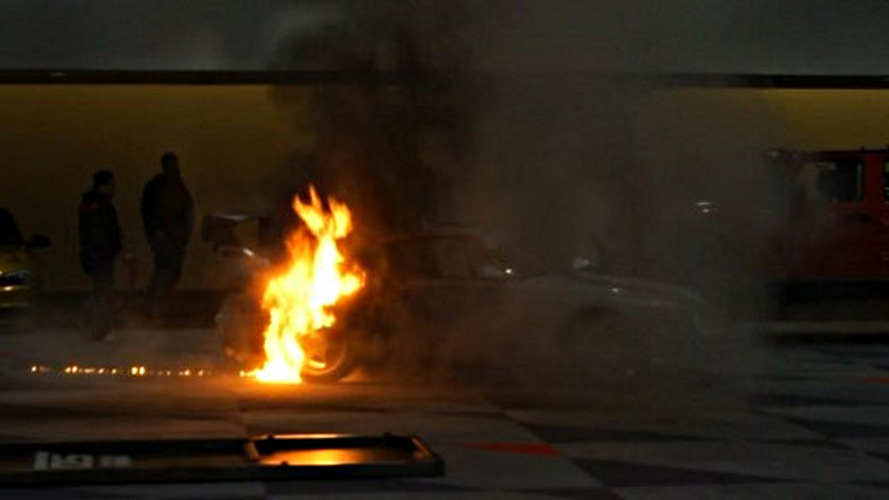 Porsche 993 Turbo goes up in flames at New York Auto Show