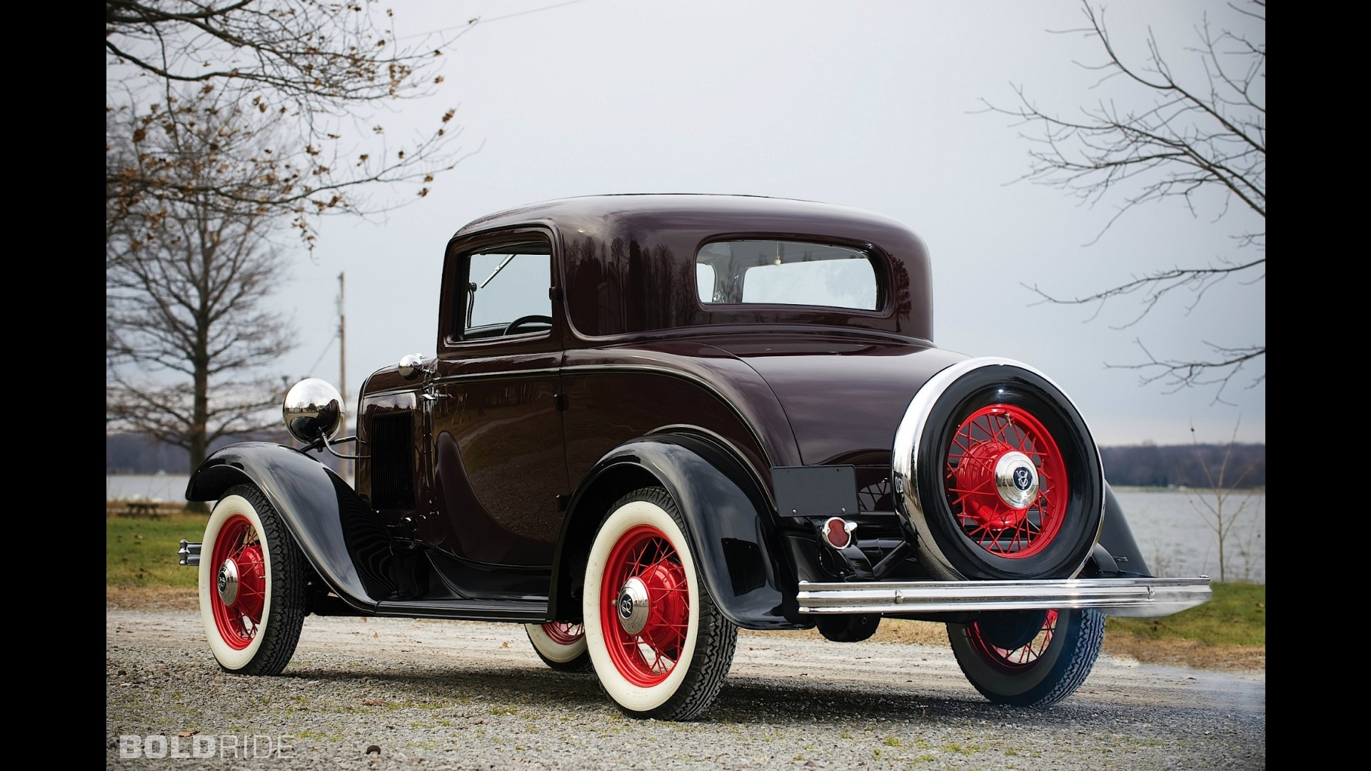 Ford Model 18 DeLuxe Three-Window Coupe