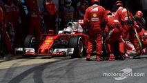 Sebastian Vettel, Ferrari SF16-H makes a pit stop