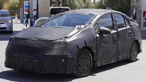 Toyota considering a small Prius crossover - report