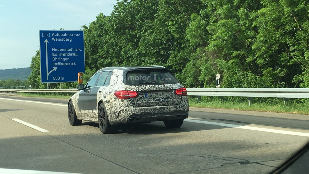 Possible hardcore Mercedes-AMG C63 Estate spy photo