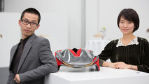 "Students Shihan Pi and Yjing Zhang from the Royal College of Art in London with their ""Epiphany"" concept 26.11.2012"