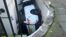 2014 Range Rover Sport crashes in London, ends up in front of a basement flat