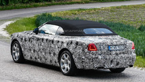 2016 Rolls-Royce Dawn spy photo