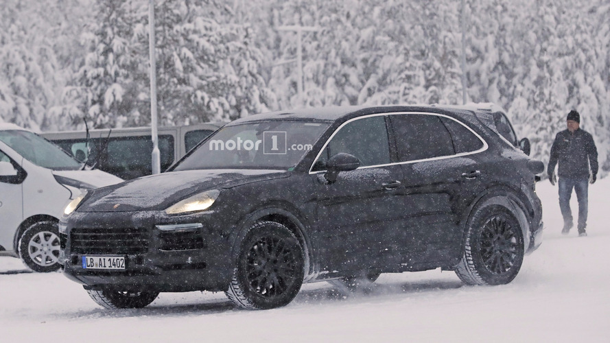 Frosty 2018 Porsche Cayenne begins winter testing