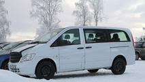 2014 Mercedes Benz Viano mule spied for first time with strange bonnet