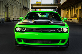 The Dodge Challenger Hellcat is a Giggle-Inducing Sociopath: First Drive
