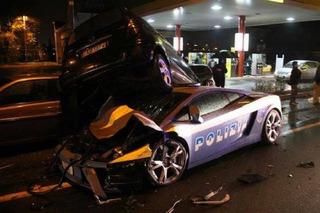 Lamborghini Gallardo Police Car Gets Run Over by a Mercedes
