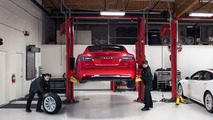 Tesla cars will autonomously drive themselves in for service?