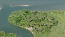 Private island owner wants to trade it for a Ferrari Enzo 02.09.2013