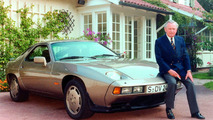 Ferry Porsche at his 70th birthday with a Porsche 928 (1979)