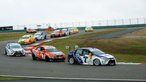 Ford makes new Focus its touring race car