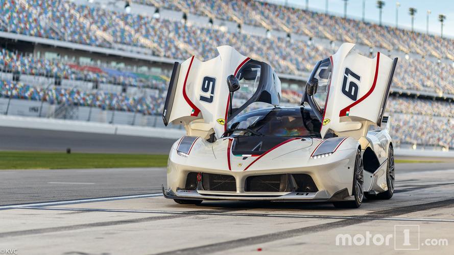 PHOTOS - En Ferrari à la ville comme sur la piste !