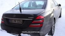 2010 Mercedes S-Class facelift spy photos