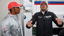 Hamilton thinks small title lead 'strange'