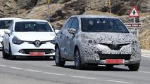 2014 Renault Clio Crossover spy photo 11.9.2012