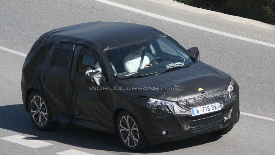 2013 Peugeot 2008/Citroën B-SUV spied for the first time