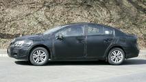Toyota Avensis Spy Video