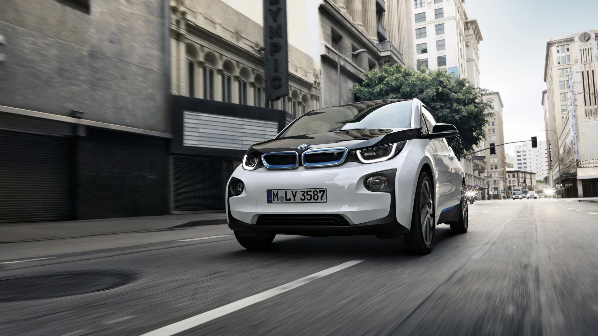 BMW i3 range-extender lawsuit supports Tesla's store argument