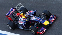 Red Bull and Lotus running late for Jerez debut